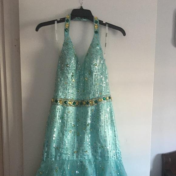 Tony Bowls Dresses & Skirts - Tony bowls Paris gown